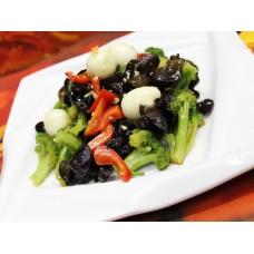 Салат из брокколи с древесными грибами